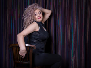 Voir le liveshow de  MatureEroticForYou de Xlovecam - 50 ans - Heelo guys! Diana is here for you, I'm an open minded person, very funny and extremely  ...