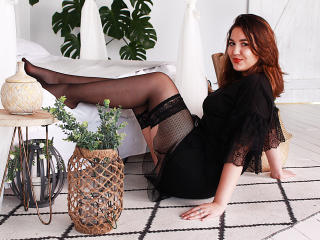 Voir le liveshow de  Lizzalittleprincess de Xlovecam - 19 ans - Naughty little girl, I'm into rough sex and nasty games. I am open to new things and w ...