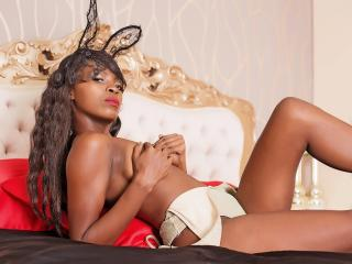 Voir le liveshow de  LexyPresly de Xlovecam - 20 ans - Hey :* I  m a sweet girl who loves all that is arround us. I can be your sweet angel that bring ...
