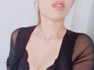 LolaBaine Cam