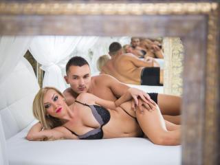 Voir le liveshow de  ErotikAngels69 de Xlovecam - 23 ans - WE ARE A OPEN MIND COUPLE,WE LIKE TO MAKE YOU CUM