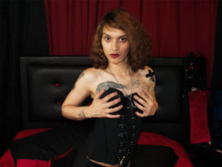 Voir le liveshow de  MagicAlice de Xlovecam - 25 ans - Im Alice, a 24 switch woman, i really love the BDSMK and can change my rol to give you the best ...