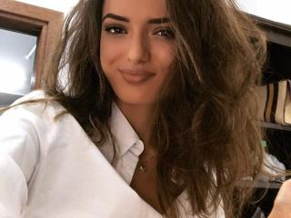 Voir le liveshow de  GorgeousHelenne de Xlovecam - 21 ans - Tell me Exactly what is on your Mind when you see me. I am very open-minded & love trying  ...