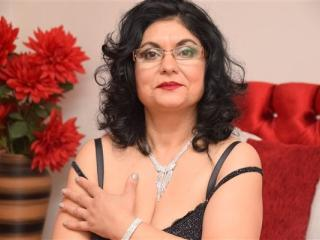 Voir le liveshow de  ValentinaSanchez de Xlovecam - 52 ans - Hot mature Sexy lady with sexy legs, nice boob,an ass to die for and beautiful features i ...
