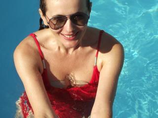 Voir le liveshow de  Fontaine de Xlovecam - 31 ans - I am a woman with insatiable sexual desires