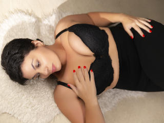 Voir le liveshow de  OneHotPenellope de Xlovecam - 35 ans - Hey there, welcome to my special room ;-) be my guest, relax because I am here to become   ...