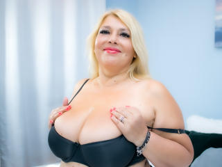 ByaStorm sexy cam girl