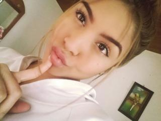 Voir le liveshow de  IvyJules de Xlovecam - 19 ans - Hot and hot words really make me very hot. and see your And seeing your cock in the camera really ...
