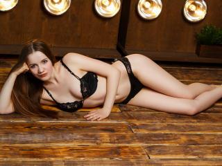 Voir le liveshow de  KristiQueen de Xlovecam - 19 ans - Sexy and hot
