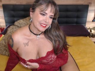 Voir le liveshow de  EvaLuv de Xlovecam - 47 ans - I am a mature and naughty woman who enjoys sex